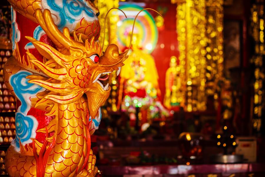 pagode tien hau statue dragon.