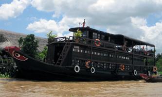 sampan delta mekong