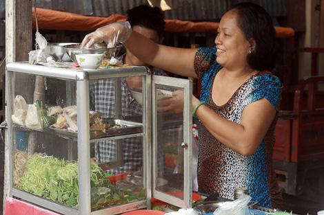 Préparation de soupe vietnamienne.