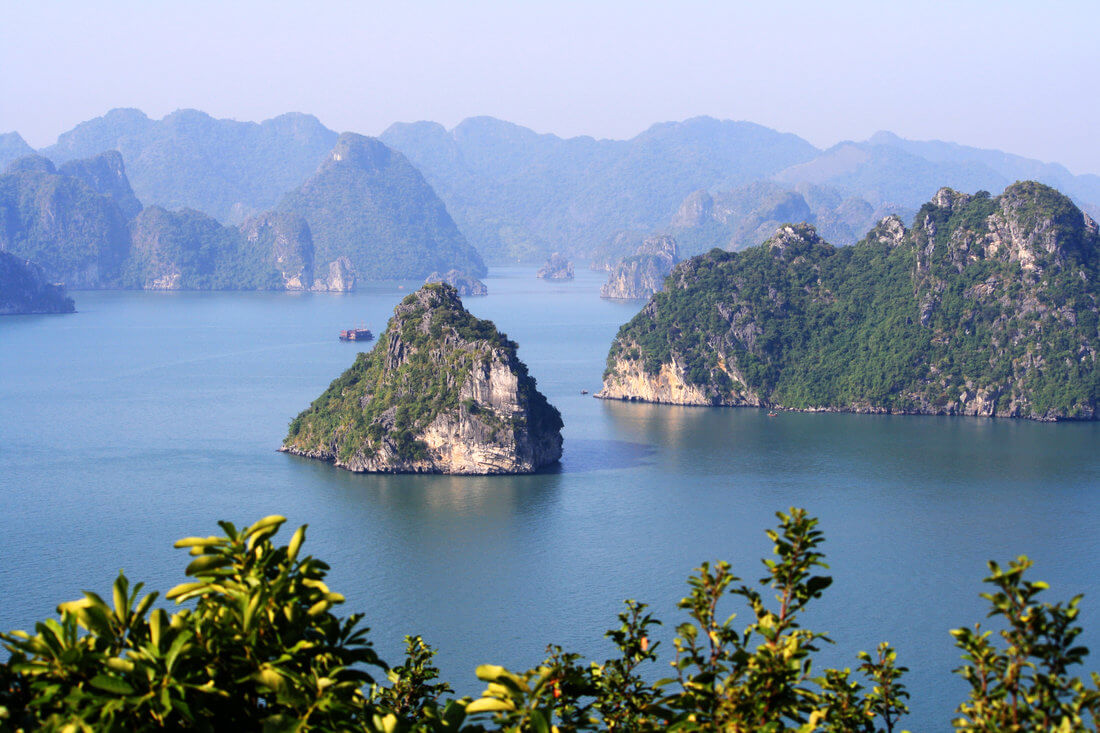 vue panoramique baie d'halong.