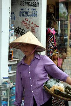 vendeuse ambulante vietnam.