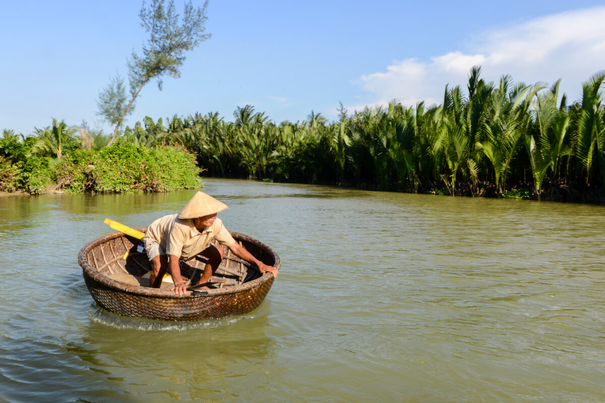 embarcation traditionnelle vietnamienne.