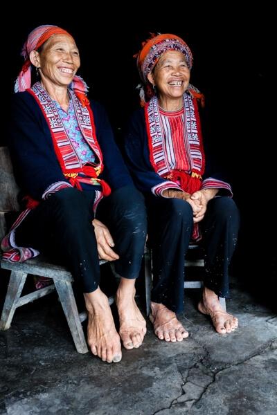 portrait de vieille femme Hmong.