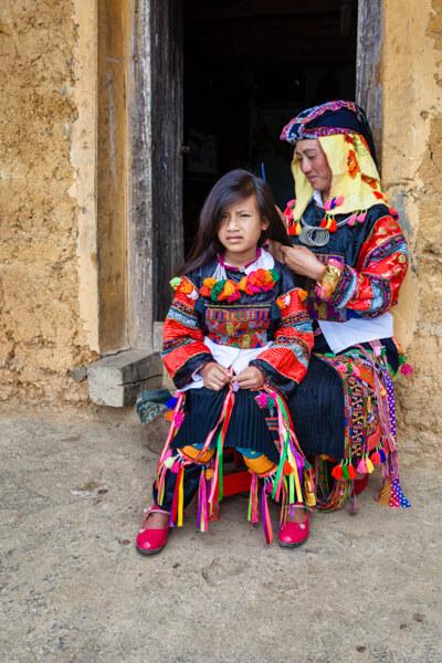 enfants jouant dans les rizières d'Y Ty.