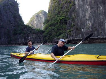 Vietnam canoe kayak.